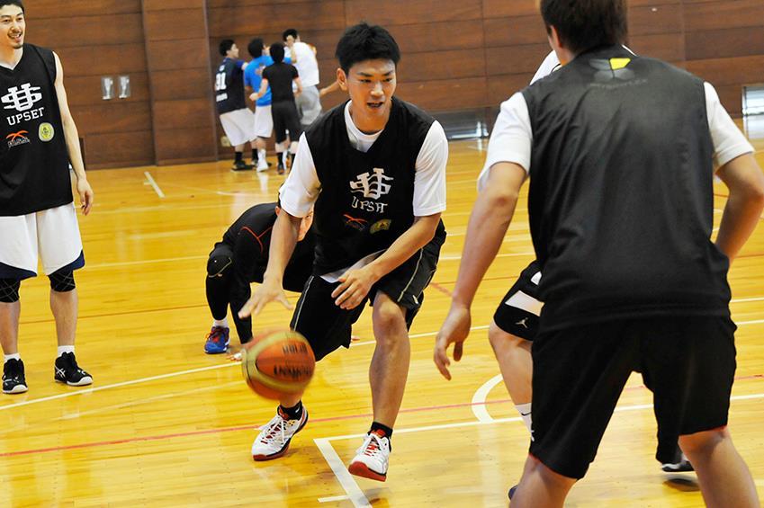 GSLも開催協力のTamagawa Training Camp 2014 supported by UPSETより。2013-14シーズン、NBL転籍後の千葉ジェッツは20連敗を喫するなどで大苦戦。石井選手自身、スタートでの出場は8試合。出場時間も決して多くはなかった